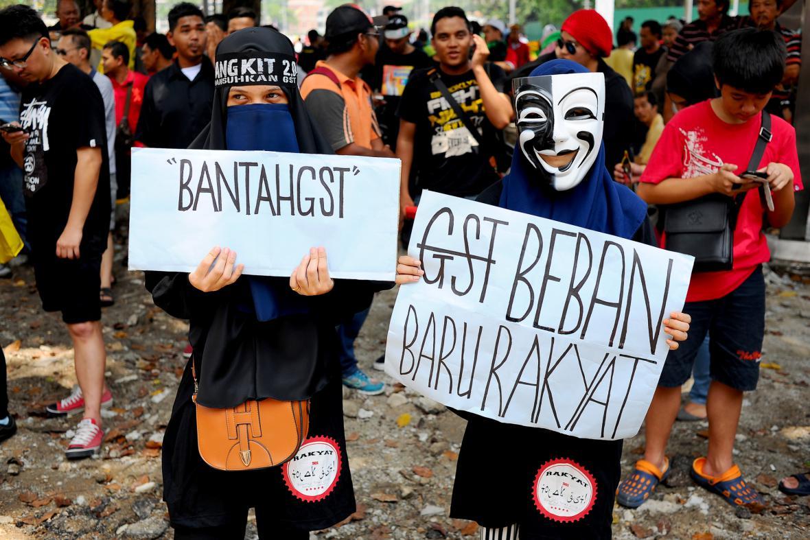 V Malajsii na 1. máje demonstrovali i proti zavedení daně ze zboží a služeb GST