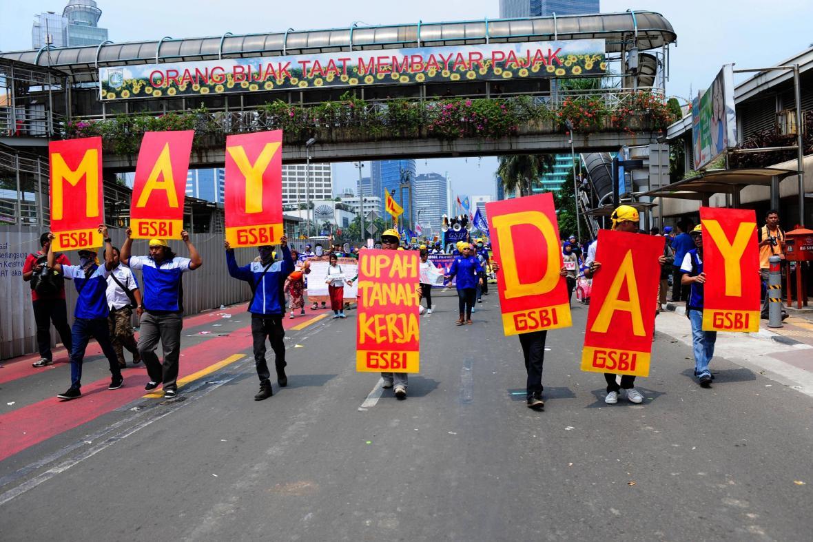 Prvomájový průvod v indonéské Jakartě