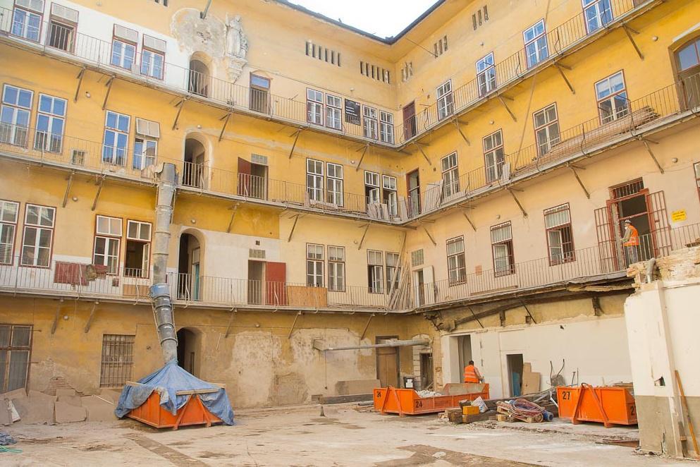 Palác Chlumeckých před rekonstrukcí