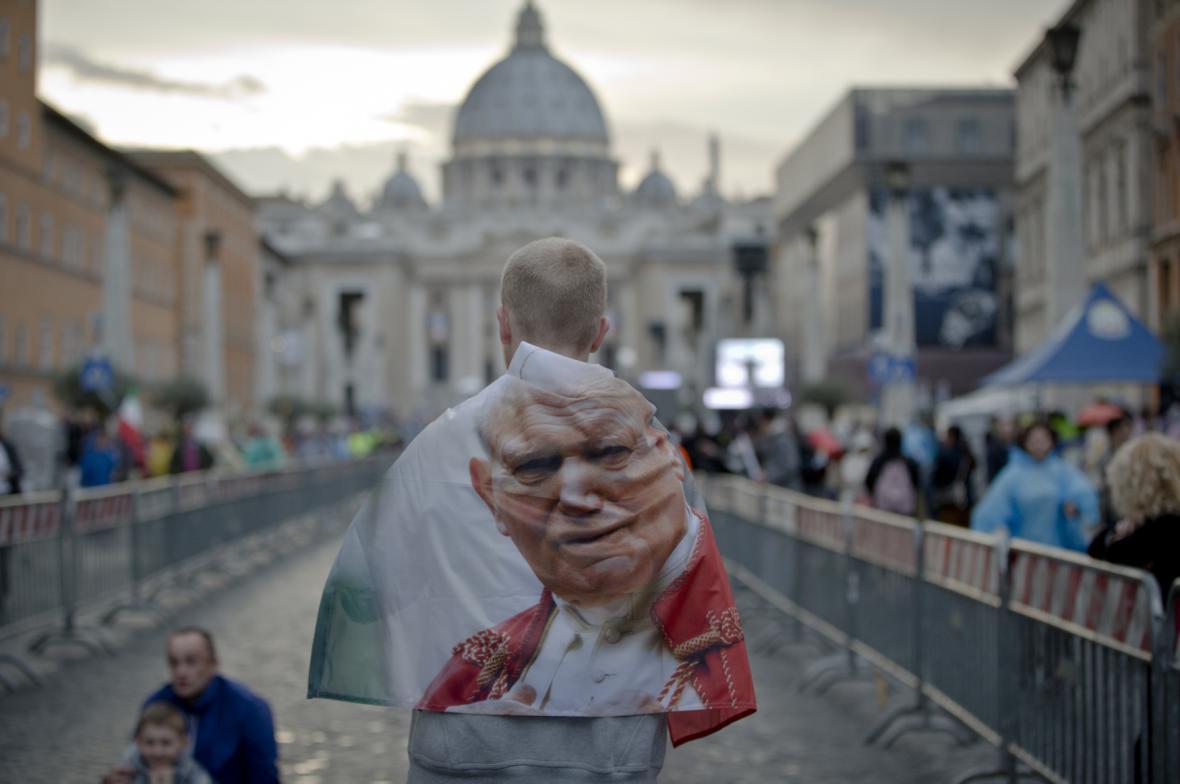 Jan Pavel II. žije v srdcích lidí i po své smrti