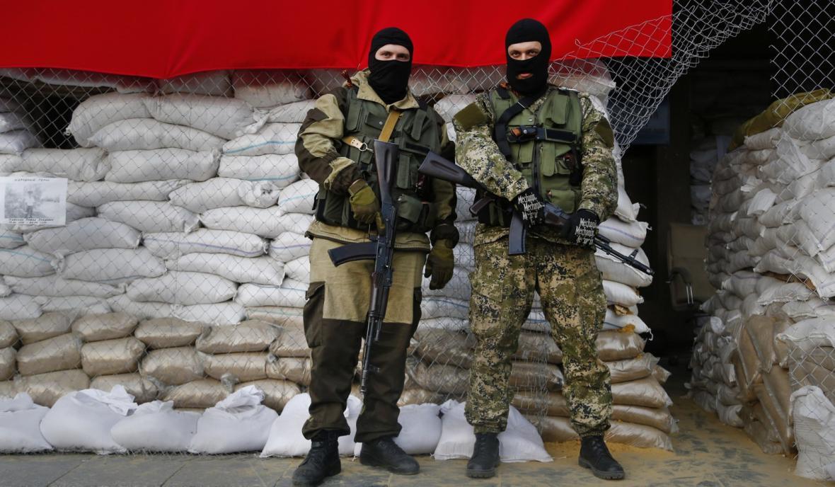 Proruští ozbrojenci na východě Ukrajiny