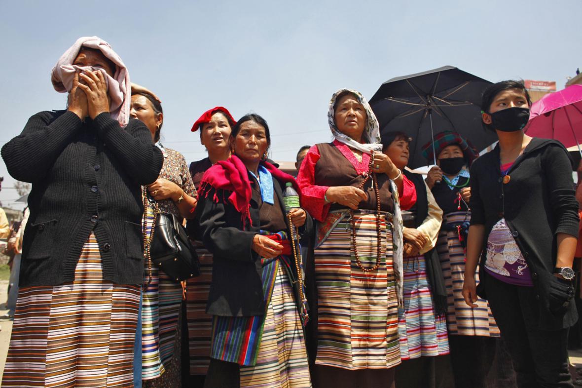 Pohřeb nepálských šerpů, kteří zahynuli v lavině