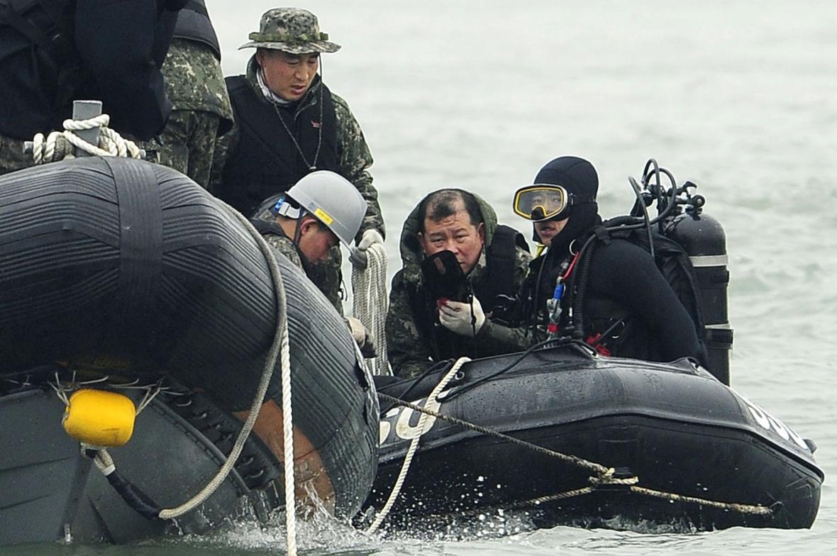 Pátrání po pohřešovaných z trajektu