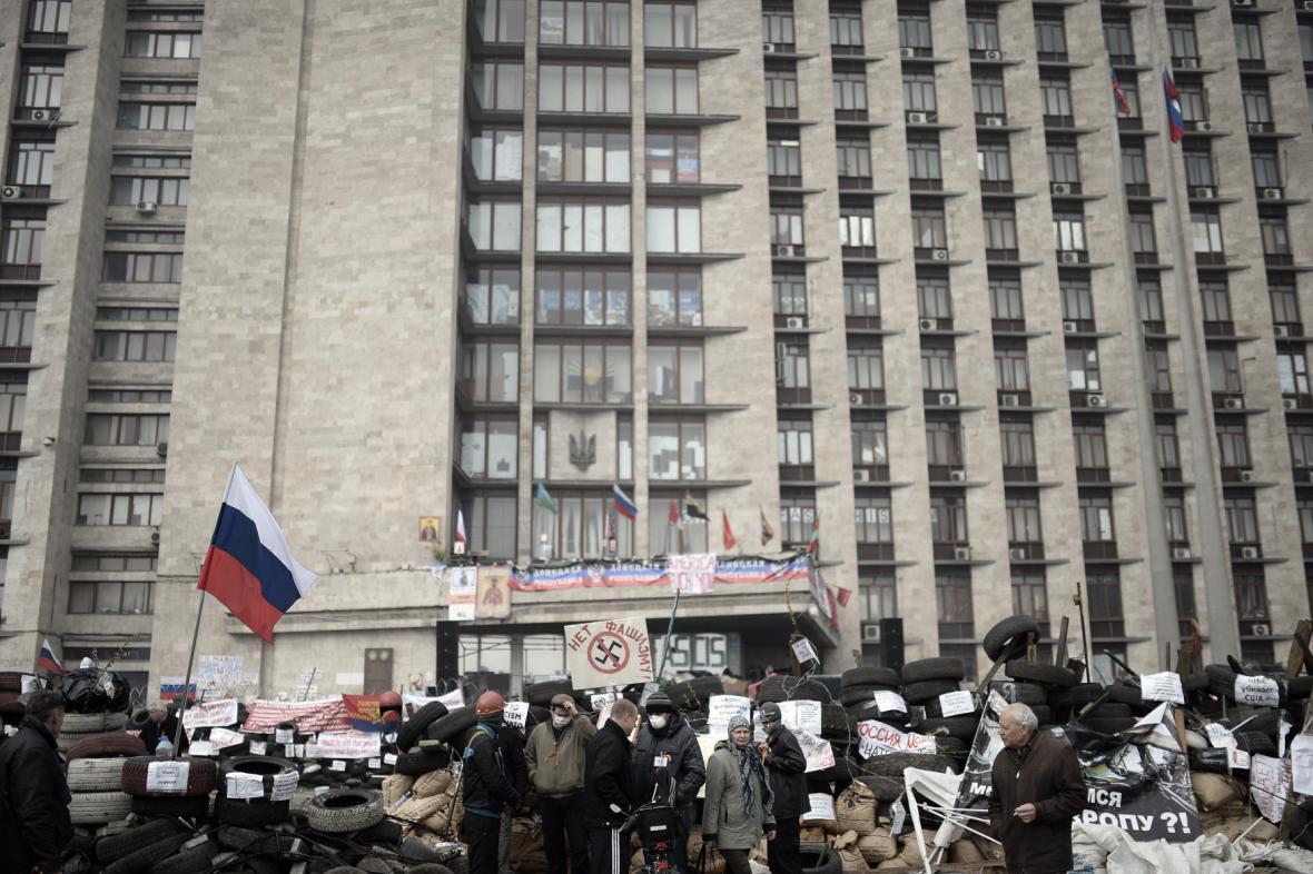 Obléhání vládních budov v Doněcku