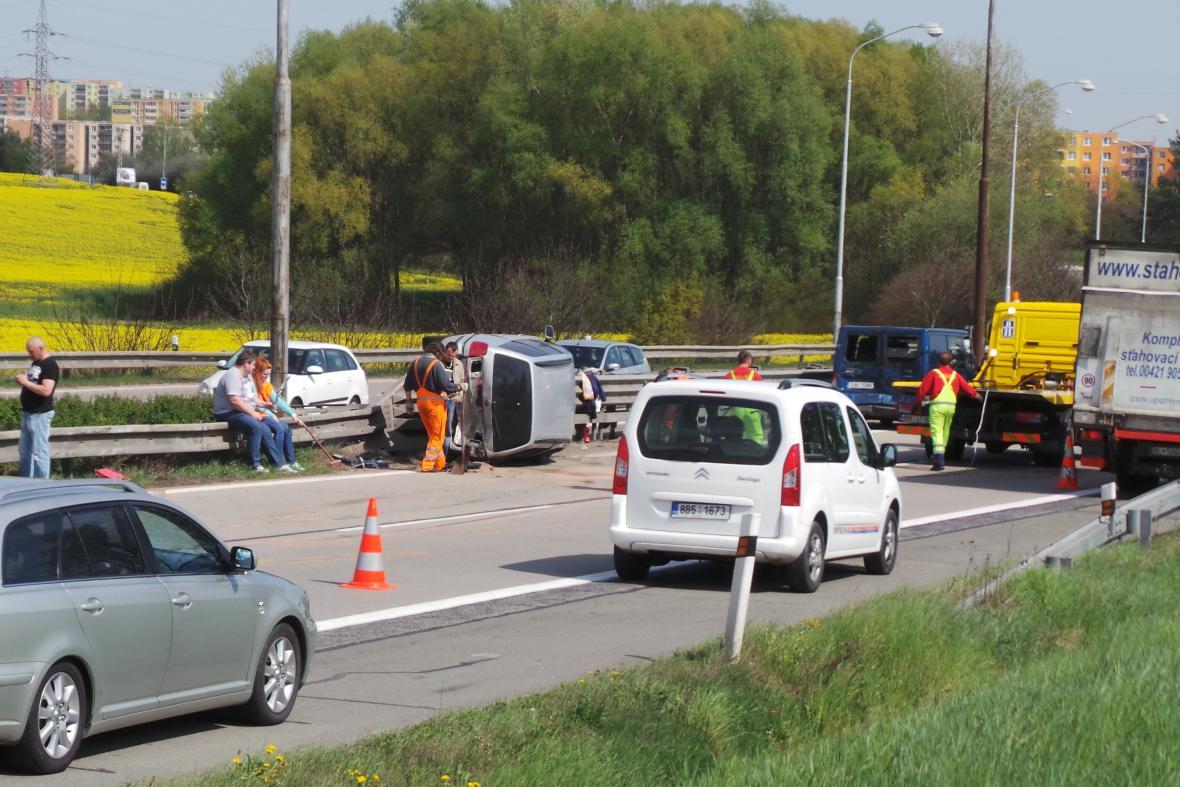Nehoda nedaleko Ostopovic