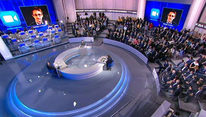 Edward Snowden v debatě s prezidentem Putinem