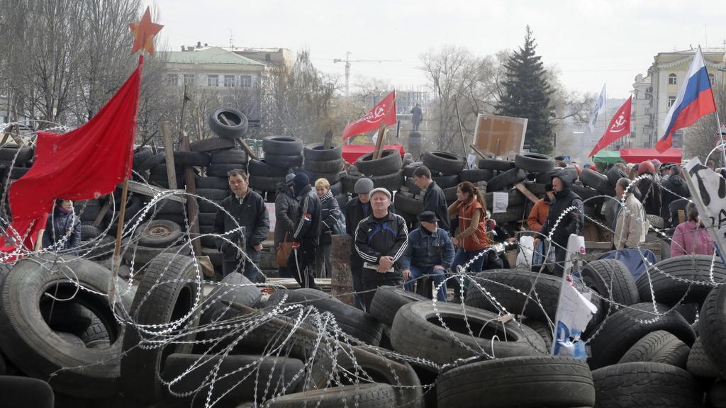 Barikády před úřady v Doněcku