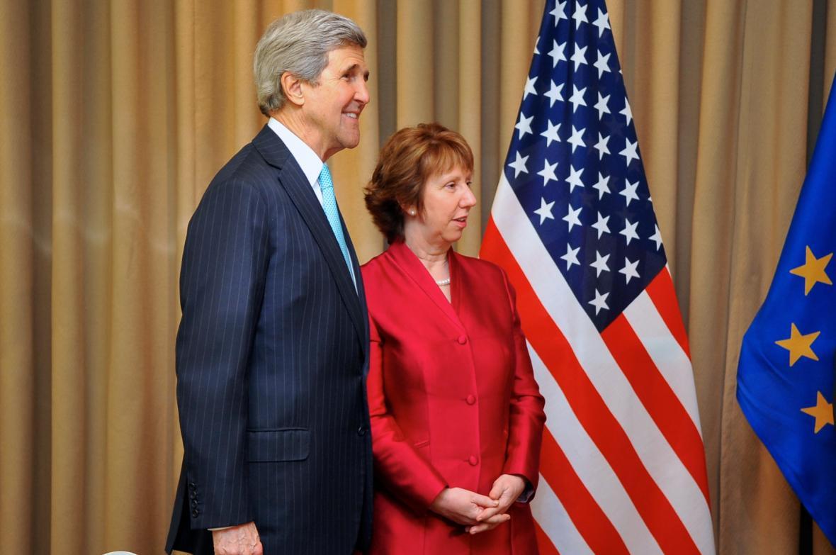 John Kerry a Catherine Ashtonová