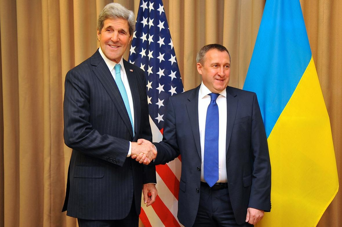 John Kerry a Andrij Deščycja