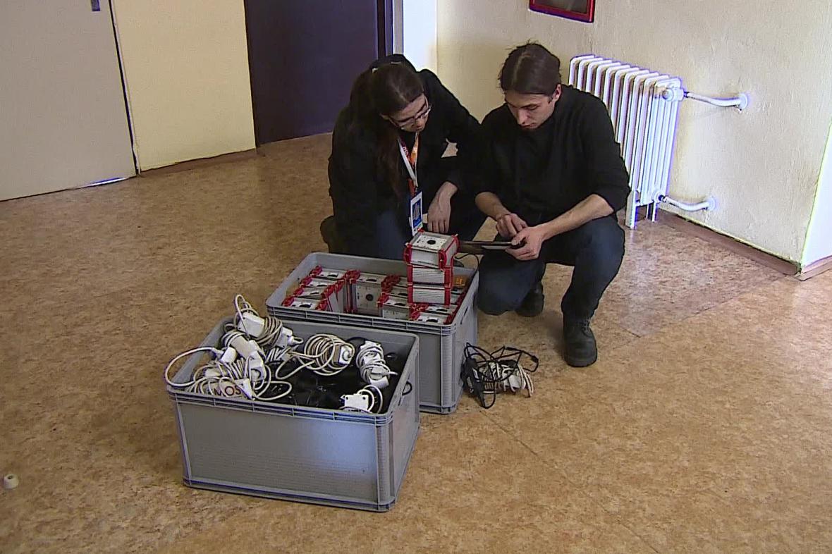 Světelnou show připravují studenti z polské Vratislavi