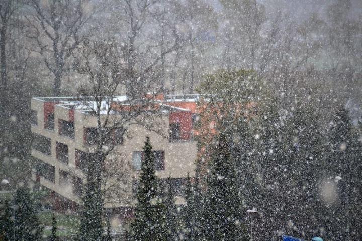 Liberec, 2°C a silně sněží
