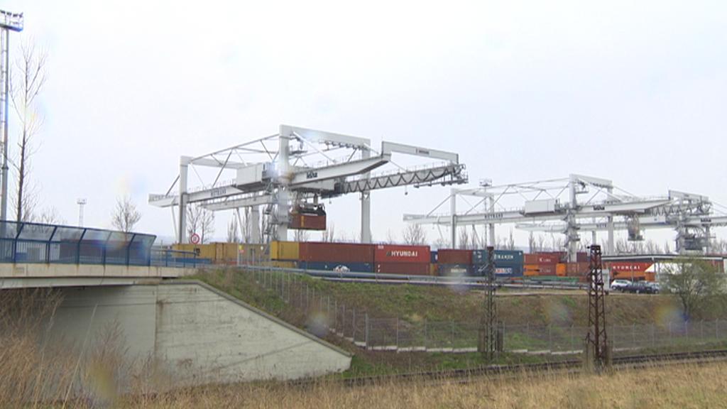 Kontejnerové překladiště firmy Metrans