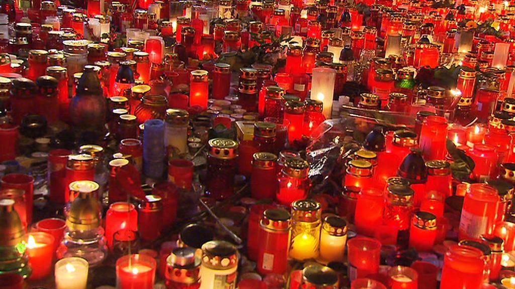 Svíce, ze kterých bylo srdce odlito