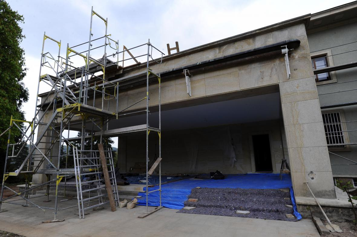 Rekonstrukce vily Stiassny jde do finále
