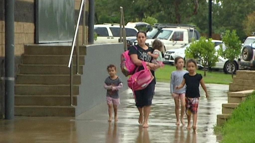 Jeden z nejsilnějších cyklonů minulých let dorazil do Austrálie
