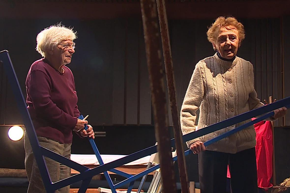 Představení Antigone vzletem sokolím