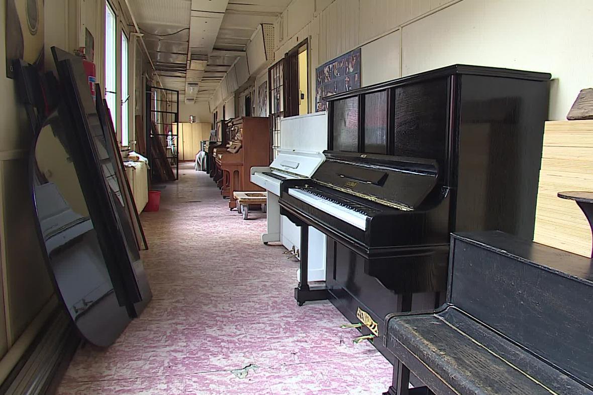 Půjčovny zaznamenávají nárůst zájmu o klavíry
