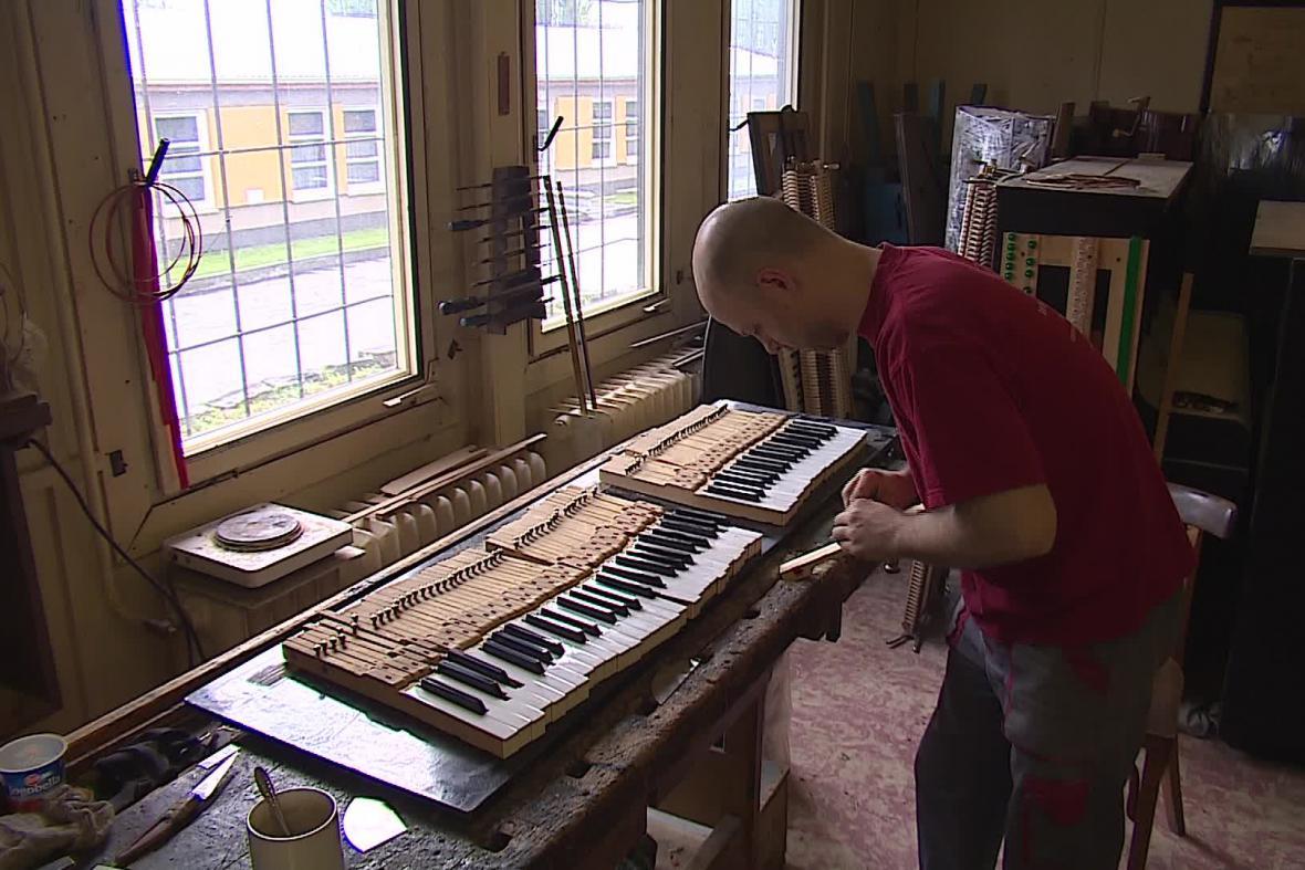 Zájem o klavíry roste