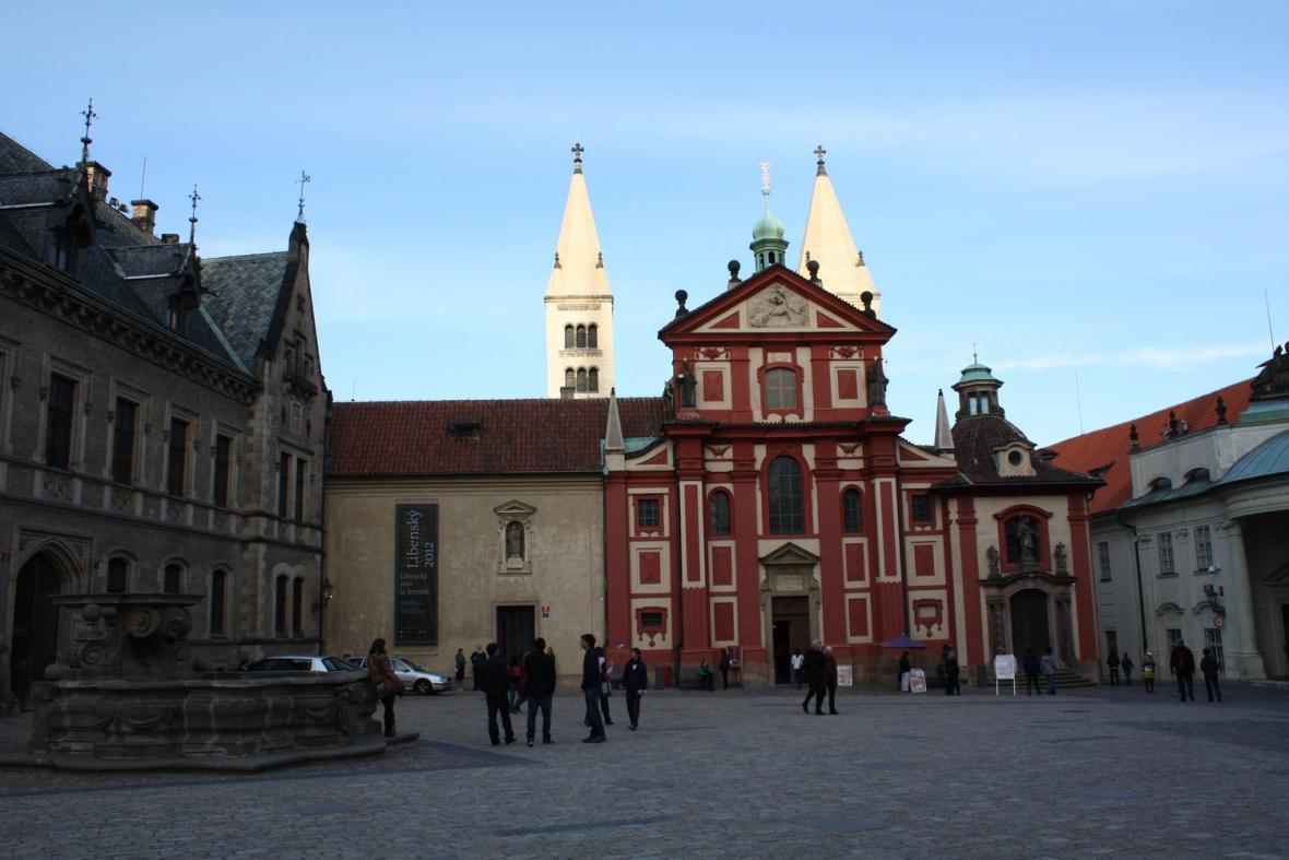 Pražský hrad / Bazilika sv. Jiří
