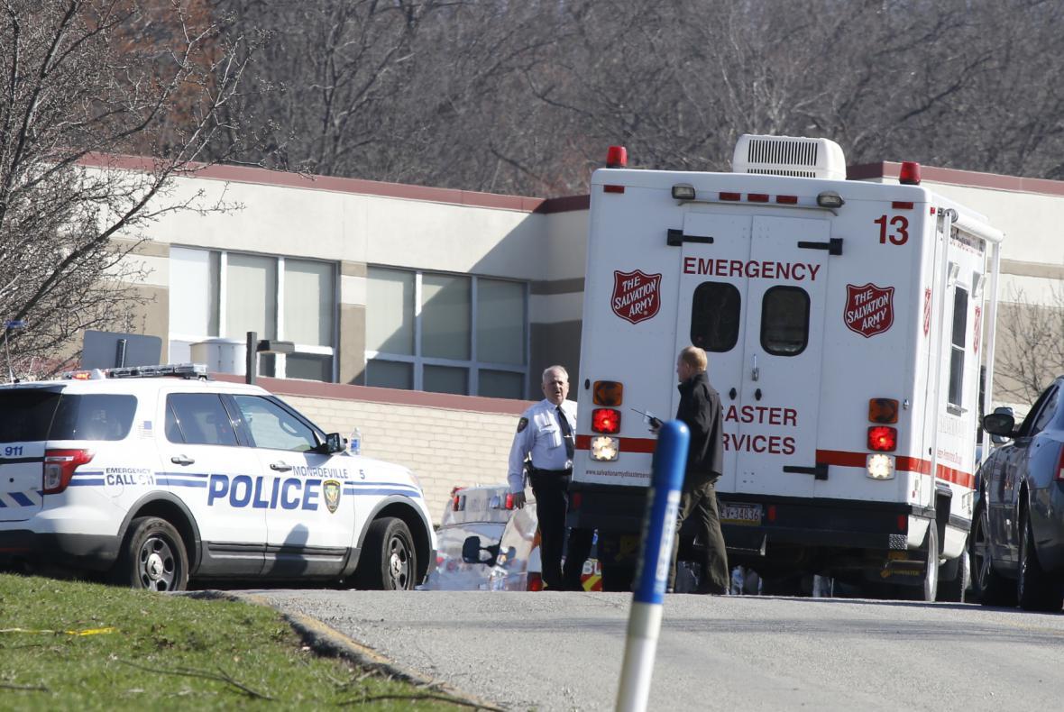 Na střední škole v Pittsburghu pobodal útočník desítky studentů