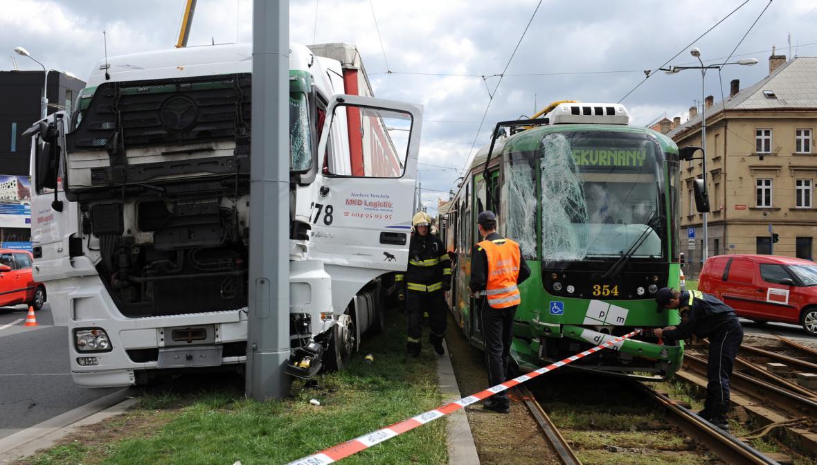 Nehoda tramvaje v Plzni