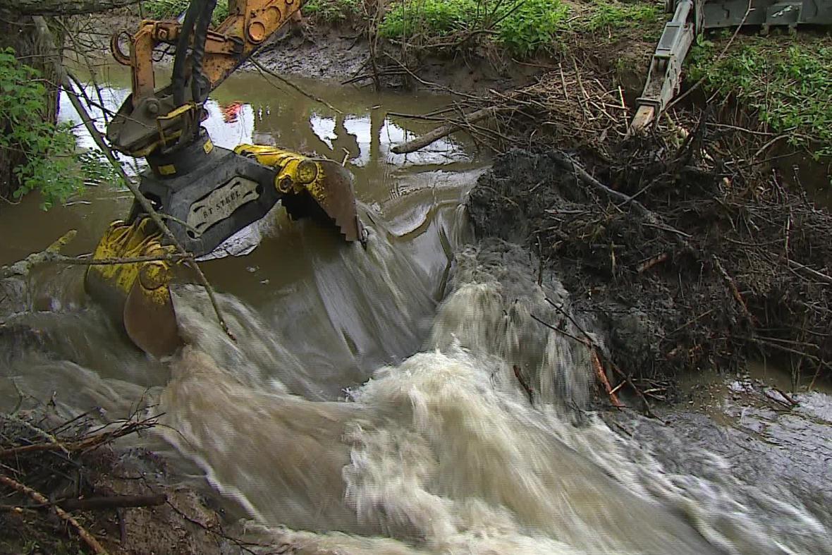 Vodohospodáři tok uvolnili