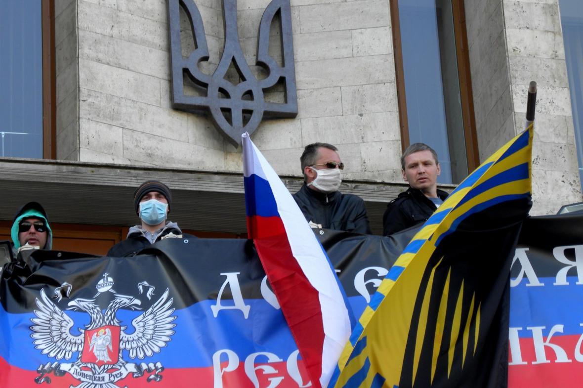 Proruští demonstranti v Doněcku