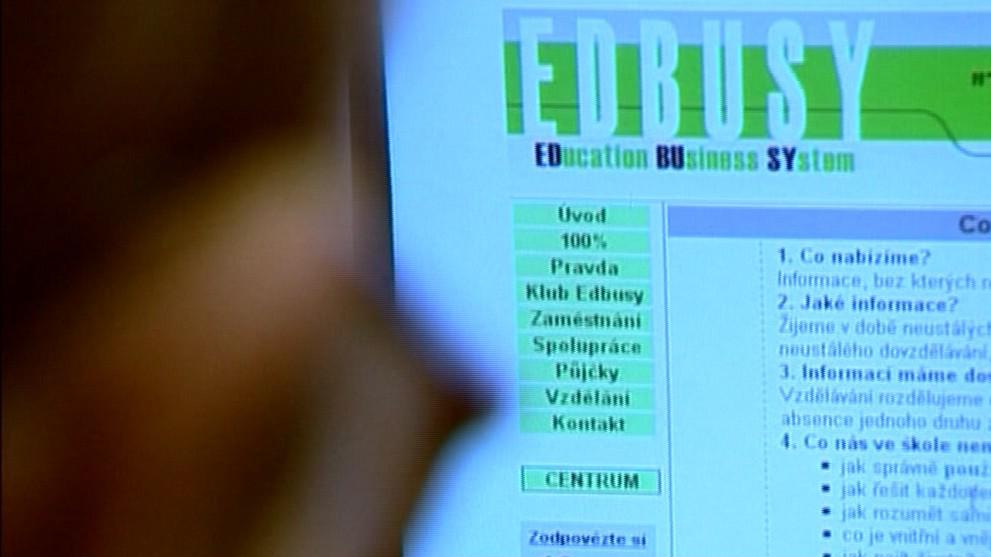 Klienti EDBUSY přišli o půl miliardy