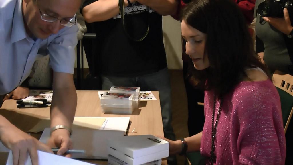 Olympionička Veronika Vítková při autogramiádě