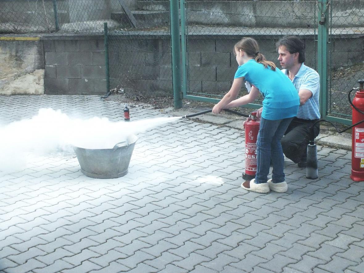 Hasičská ukázka při Noci s Andersenem v Boskovicích