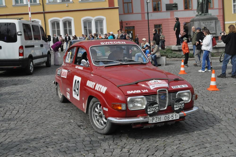Rallye Praha Revival - časová kontrola v Lounech
