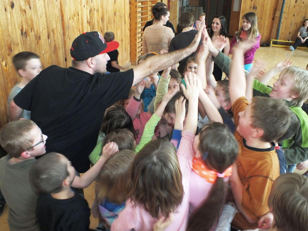 Tančí celá družina - Boskovice