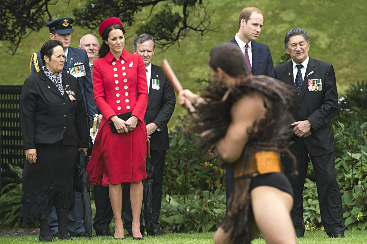 Williama a Kate přivítali na Zélandu maorskými tanci