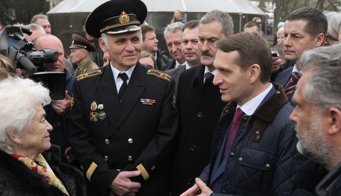 Delegace ruských poslanců na Krymu