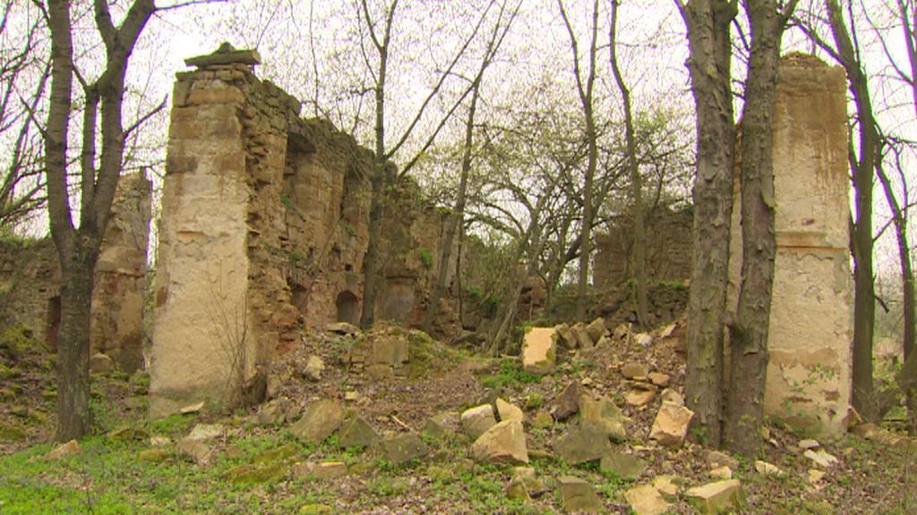 Ruiny zaniklé obce Vitín na Ústecku