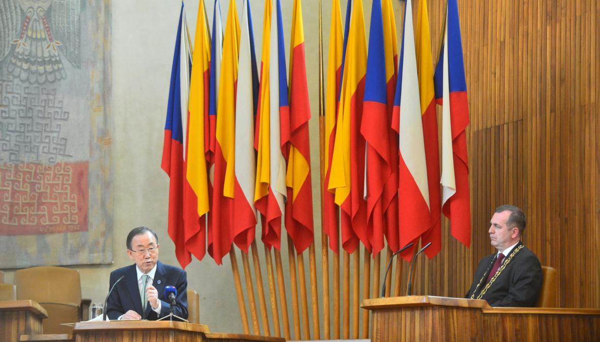 Přednáška Pan Ki-muna na Karlově univerzitě
