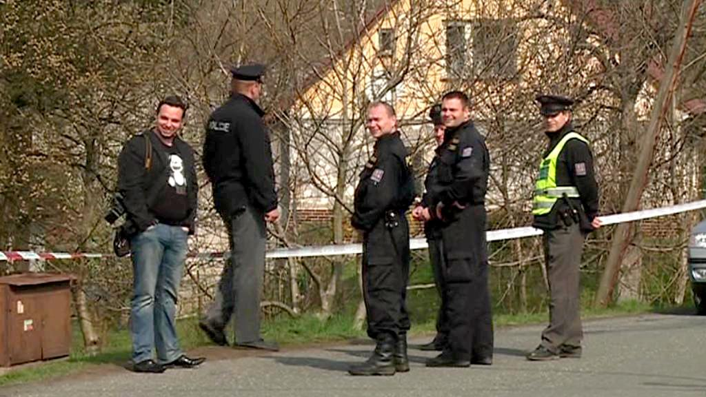 Policejní zásah ve Velkých Kuněticích