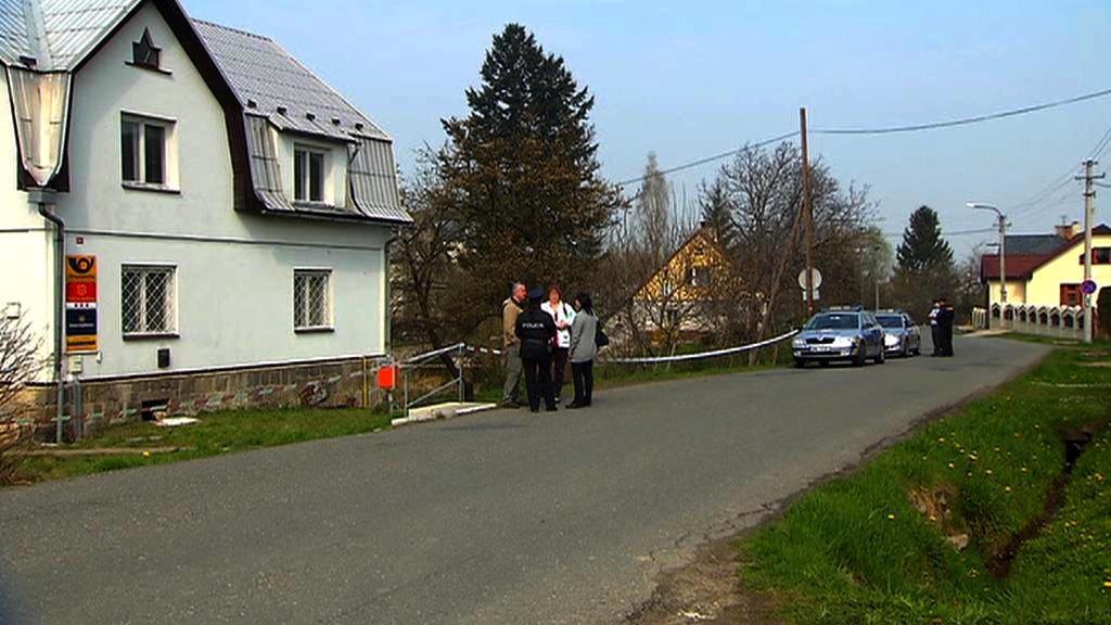 Policisté vyšetřují střelbu na poště ve Velkých Kuněticích
