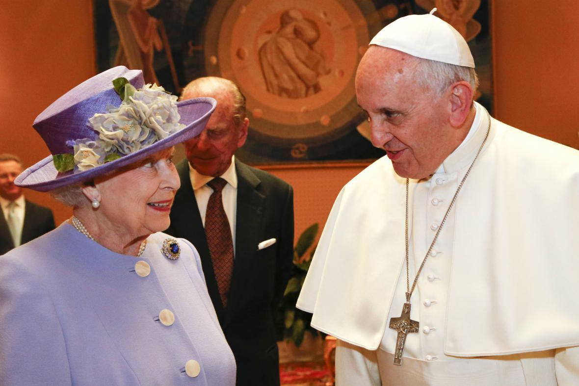 Alžběta II. se setkala s papežem Františkem