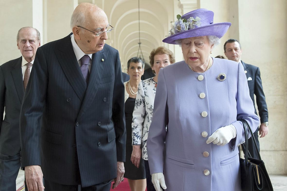 Alžběta II. a italský prezident Giorgio Napolitano