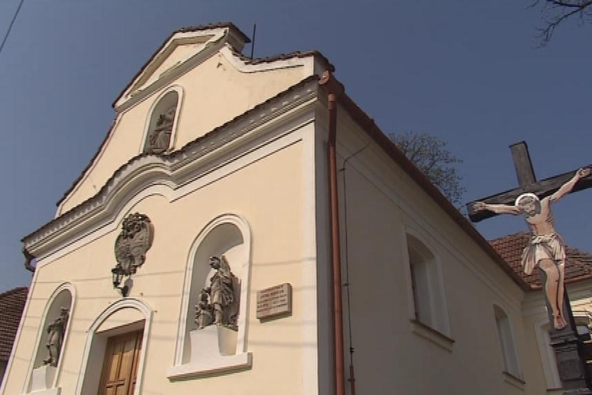 Ve Strážovicích žije přes pět set obyvatel