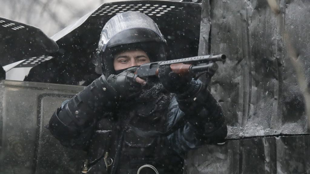 Ukrajinská policie zakročila proti demonstrantům v Kyjevě
