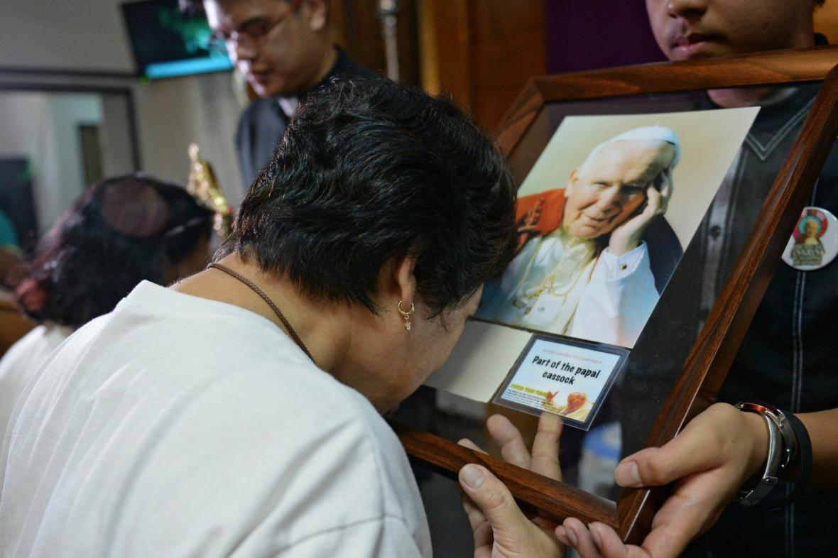 V Manile byly vystaveny relikvie po Janu Pavlu II.