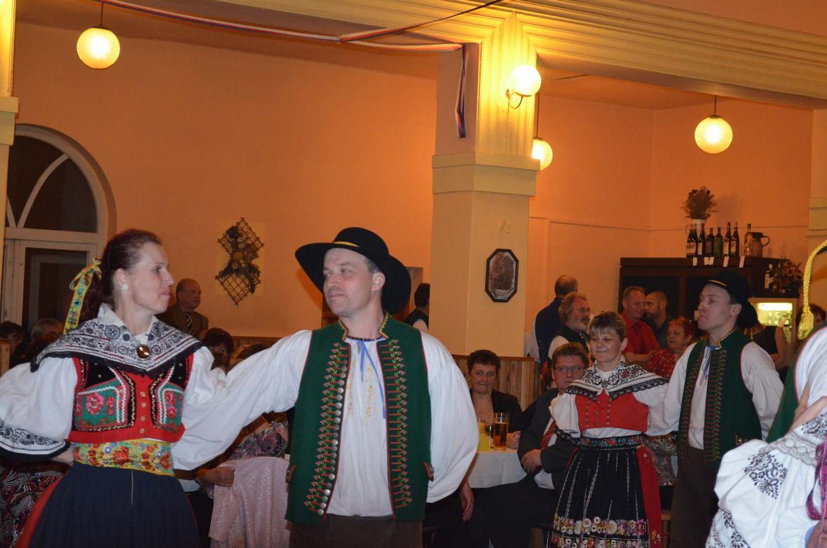 Ples baráčníků v Nové Vsi u Bakova