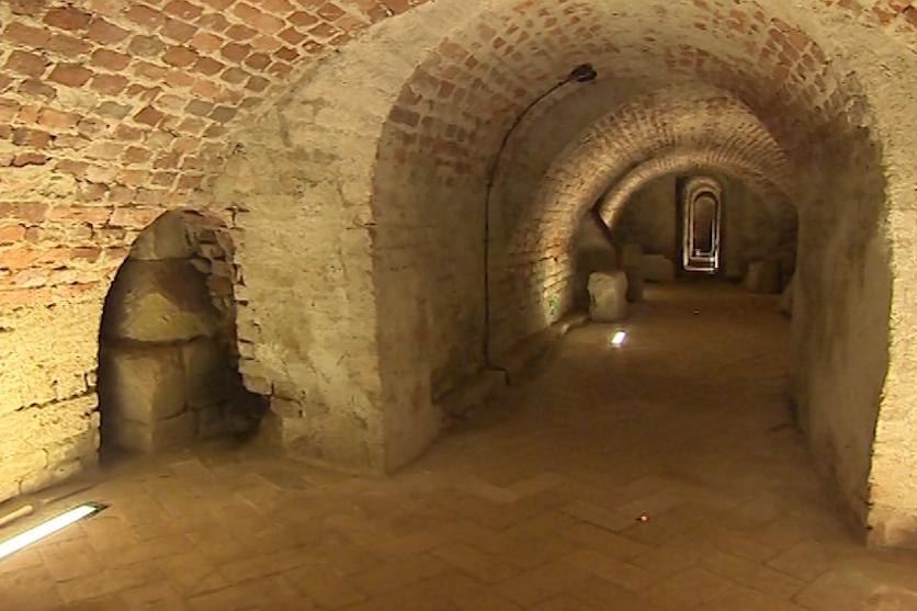 Z podzemních chodeb museli dělníci odčerpat vodu