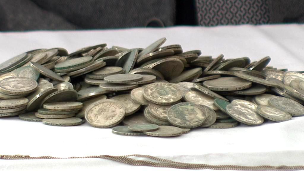 Stříbrné mince z modřanského výkopu
