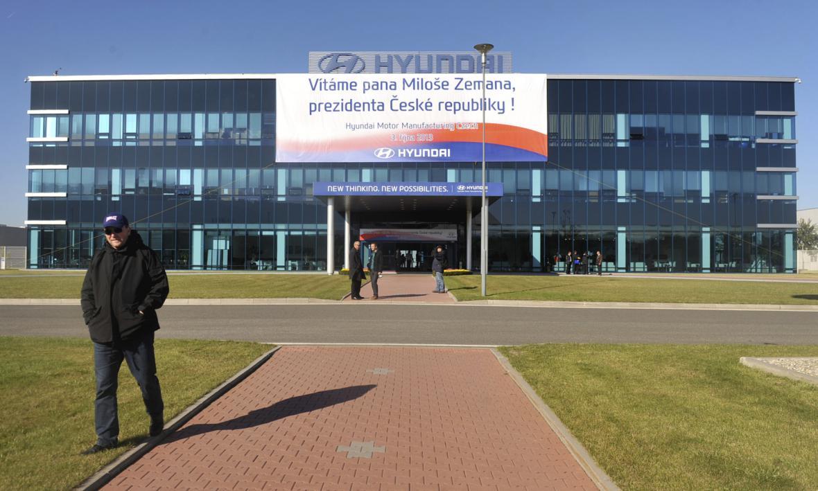 Prezident Miloš Zeman navštívil výrobní závod Hyundai v Nošovicích