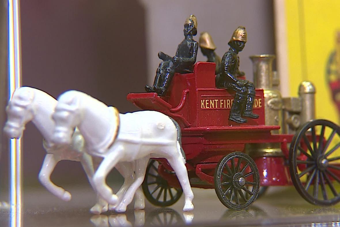 Výstava představuje také sanitky nebo hasičské vozy