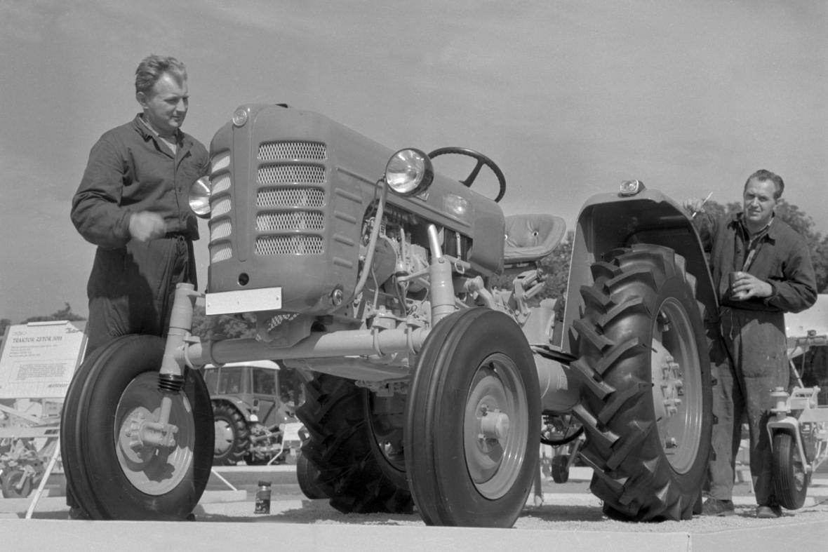 Traktor v roce 1960