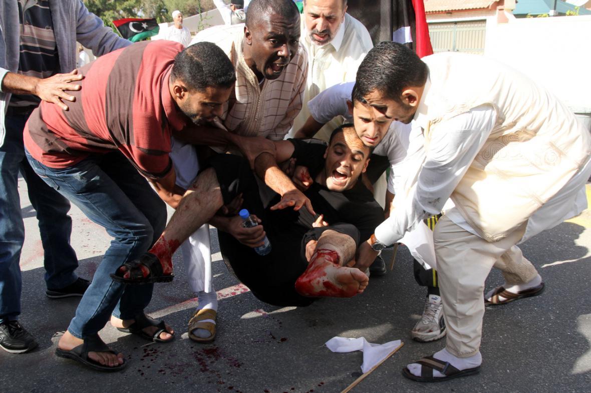 Střelba libyjských milicí do demonstrantů si vyžádala mrtvé a zraněné